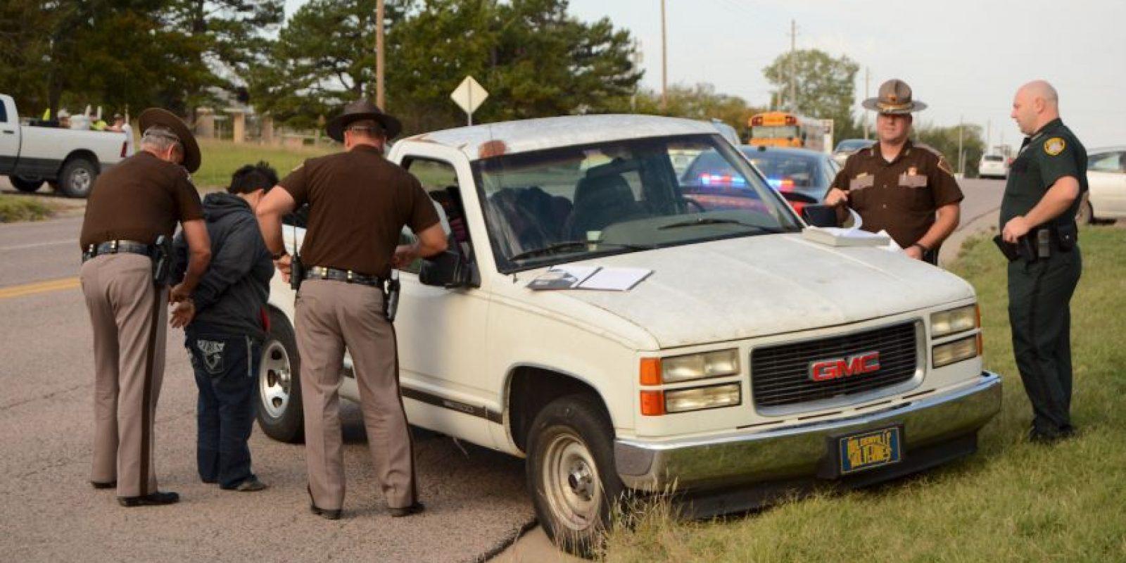 La policía le hizo un aprueba de sobriedad a la madre. Foto:AP