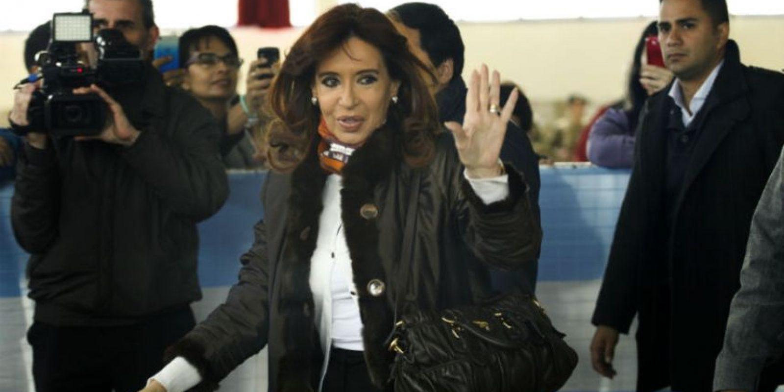 La Presidenta llegó al mediodía, tiempo local a la escuela Nuestra Señora de Fátima. Foto:AFP