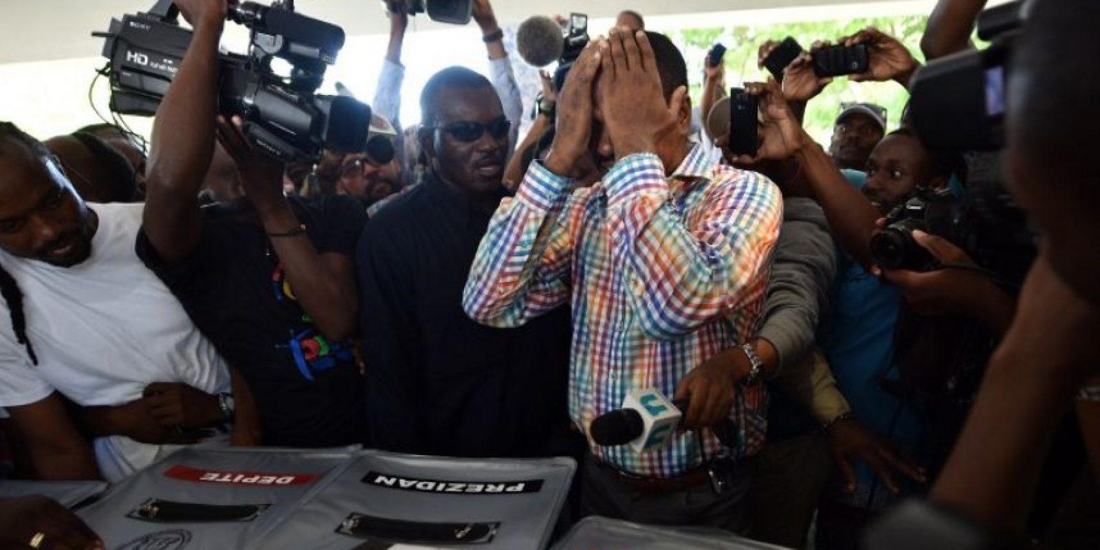 Los dos candidatos que obtengan la mayoría de votos irán a segunda vuelta Foto:AFP