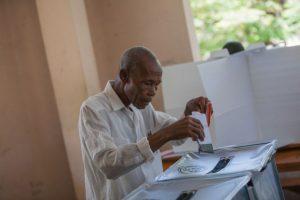 Se celebra la primera vuelta electoral entre 53 candidatos para presidente Foto:AFP