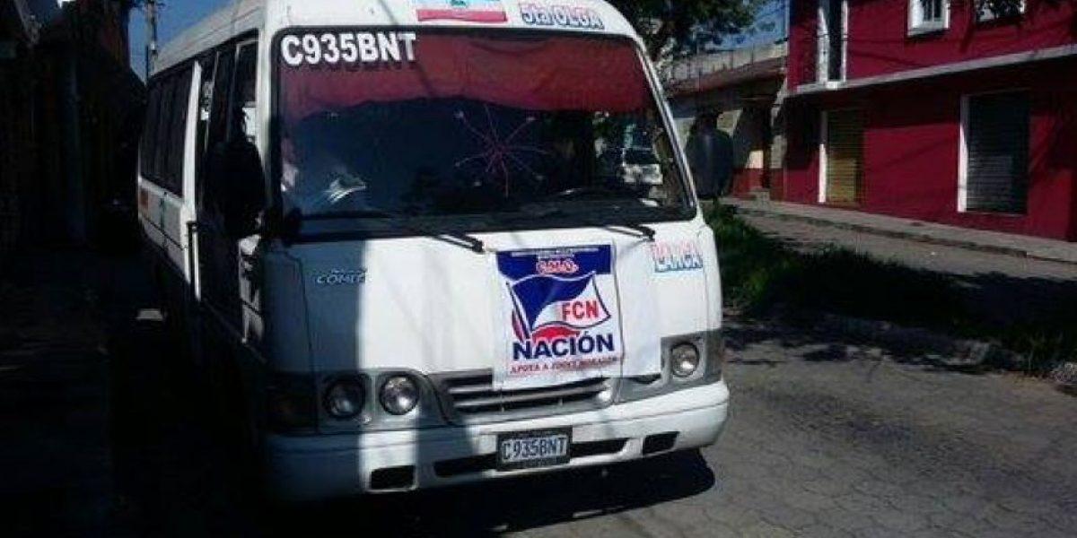Detienen microbús del FCN-Nación con papeletas