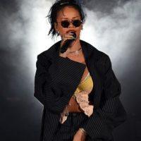 Mejor artista femenina: Rihanna