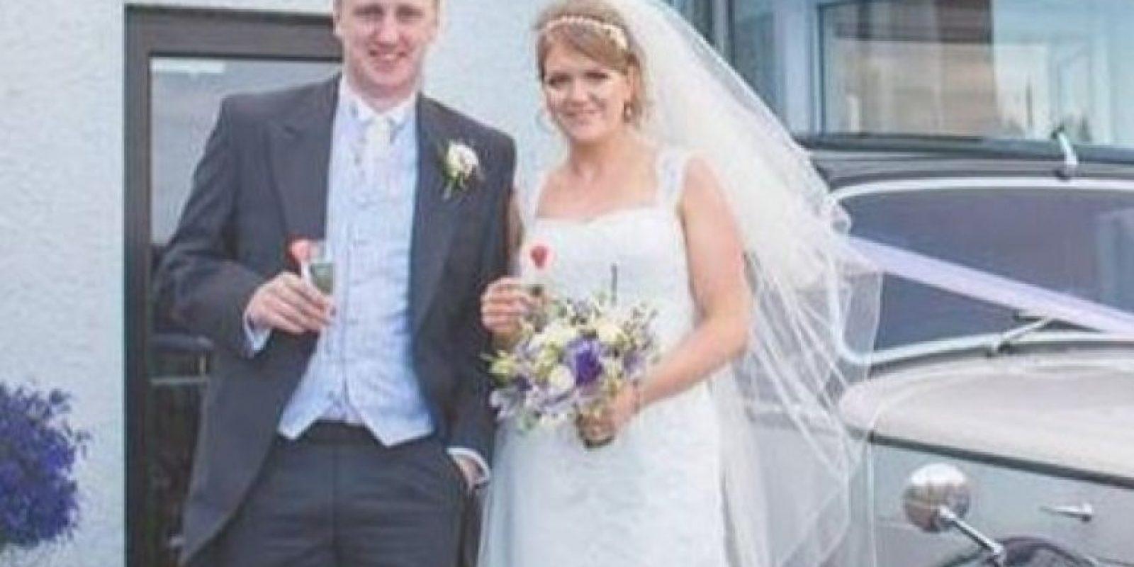 Así lucía la pareja el día de su boda. Foto:Vía Facebook