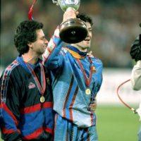 Pep Guardiola era futbolista en aquel entonces, y él junto con todo el plantel, no estaba a gusto con el método de trabajo del inglés, pues estaban acostumbrados al estilo de Johan Cruyff, su anterior entrenador. Foto:Getty Images
