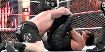Mostraron sus mejores llaves y golpes Foto:WWE