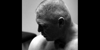 Tuvo que recibir nueve puntadas después de la pelea Foto:WWE