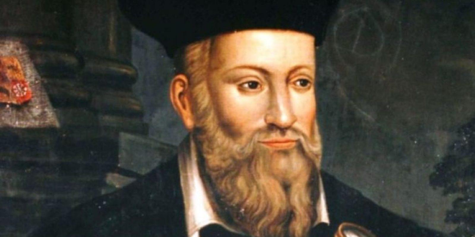 A Nostradamus se le han achacado miles de profecías sobre el fin del mundo. Unos dicen que, según el astrólogo, el mundo se acabaría en 2018, otros afirman que en 3797. Foto:vía Wikipedia