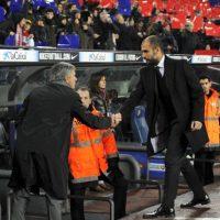 """Sin embargo, a pesar de que """"Mou"""" salió del Real Madrid en 2013 y Guardiola ahora dirige al Bayern Munich, la rivalidad continuó. Foto:Getty Images"""