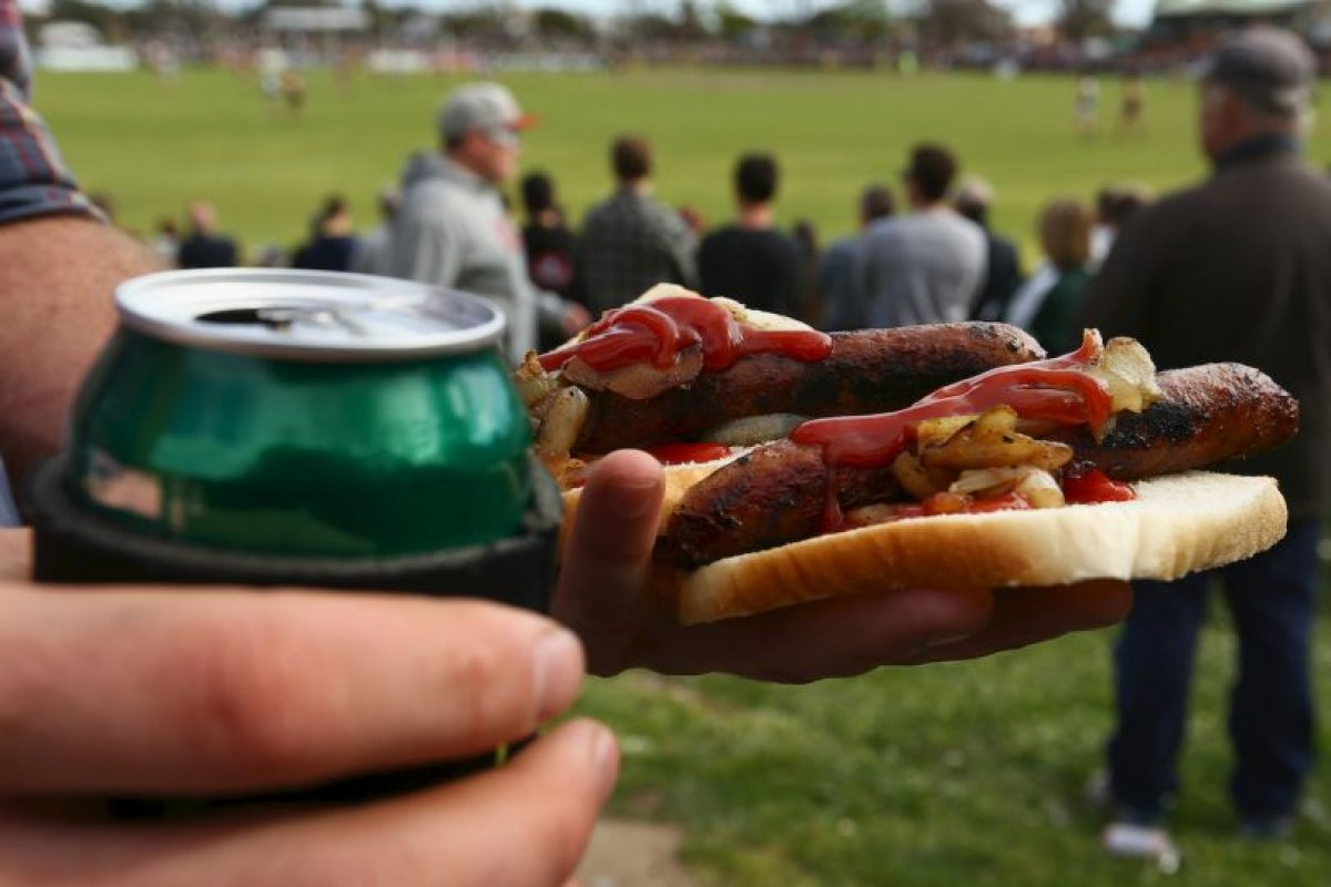 """5. """"Los expertos concluyeron que cada porción de 50 gramos de carne procesada consumida diariamente aumenta el riesgo de cáncer colorrectal en un 18%"""", reseñó la OMS. Foto:Getty Images"""