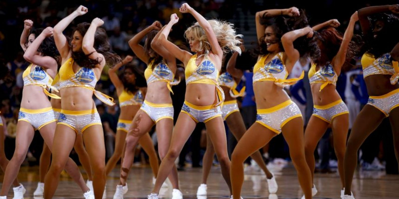 7. Las impresionantes cheerleaders que engalanan las duelas Foto: Getty images