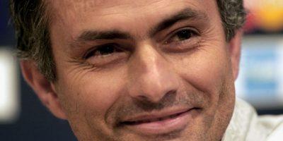 """Después de ello, comenzó el roce de """"Mou"""" con el Barcelona. En 2005, al mando del Chelsea, el portugués declaró: """"el Barcelona es un gran club, pero solamente ha ganado una Liga de Campeones en cien años. Yo llevo algunos años entrenando y ya la he ganado"""". Foto:Getty Images"""