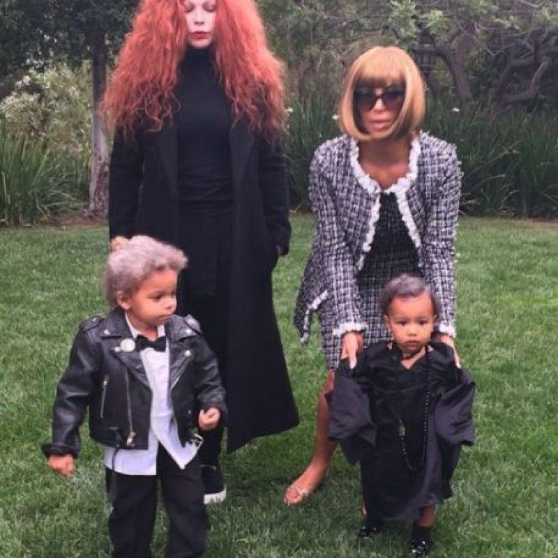 El pasado Halloween, Kim Kardashian sorprendió con su disfraz de la diseñadora Anna Wintour Foto:vía instagram.com/kimkardashian