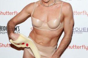 """Y el blogger. Perez Hilton. también eligió lucir como la ex """"Hannah Montana"""". Foto:Getty Images"""