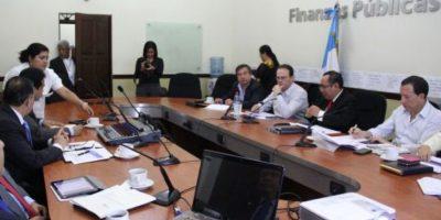 Piden nombrar a ministro de Finanzas para discutir el presupuesto