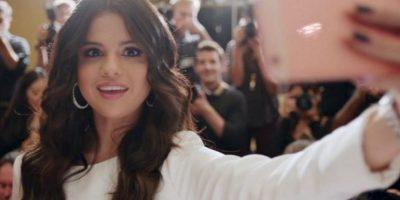 Selena Gómez fue la primera en tener el iPhone 6s oro rosado. Foto:Apple