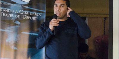 Jugadores cremas y aurinegros comparten con Salvador Cabañas