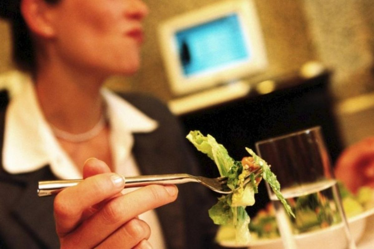 Filete de coliflor con lentejas Foto:Pinterest