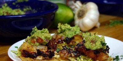 Hortalizas con salsa de palta o aguacate. Foto:Flickr