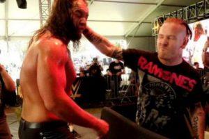 """Fue agredido por Corey Taylor, vocalista de """"Slipknot"""" Foto:WWE"""