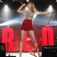 Taylor ha estado acompañada de estrellas como: Foto:Getty Images