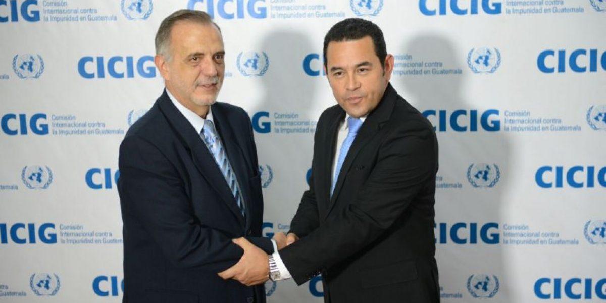 Iván Velásquez recibe a Jimmy Morales en la CICIG