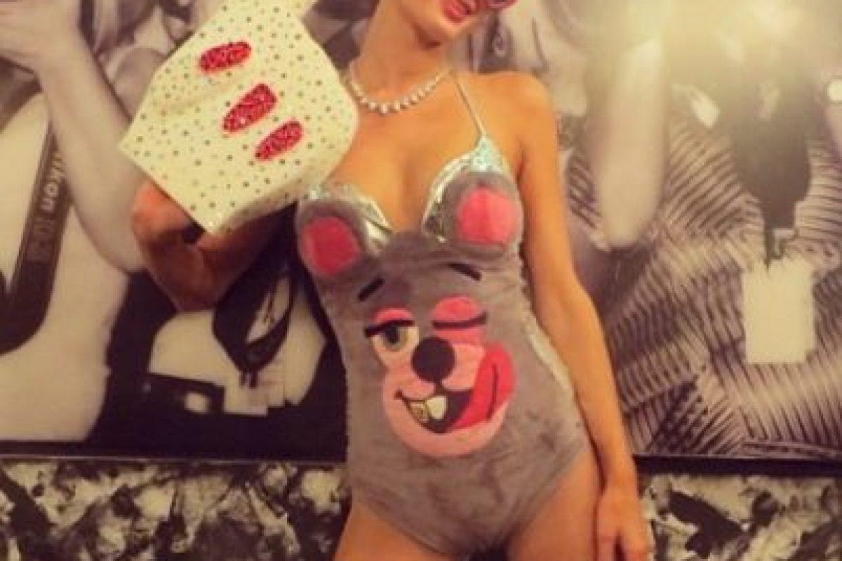 El disfraz que utilizó Paris Hilton de Miley Cyrus en los premios MTV VMA's 2013 es uno de los más populares en internet Foto:vía instagram.com/parishilton