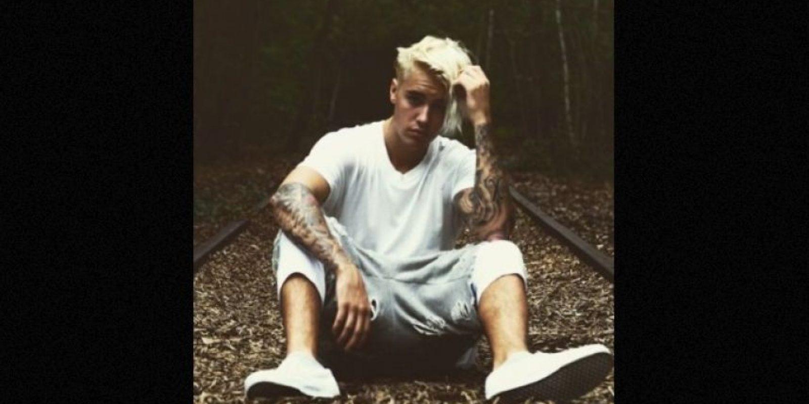 Durante los últimos meses, Justin Bieber ha sido captado totalmente desnudo mientras vacaciona, lo que ha despertado estas burlas en Internet Foto:Instagram.com/JustinBieber