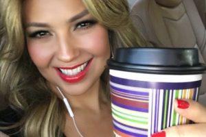 La mexicana cambió su café por unos shots de tequila Foto:vía instagram.com/thalia