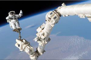 8. Ponerse un traje espacial de la NASA tarda en promedio 45 minutos. Foto:Getty Images