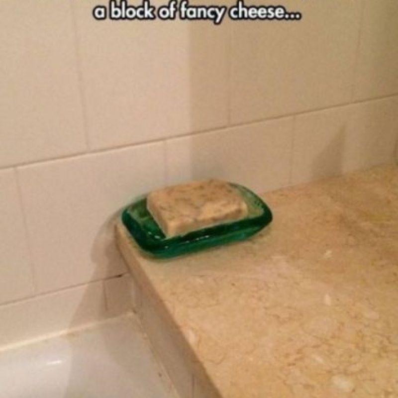 Queso en vez de jabón. Foto:vía Prankked
