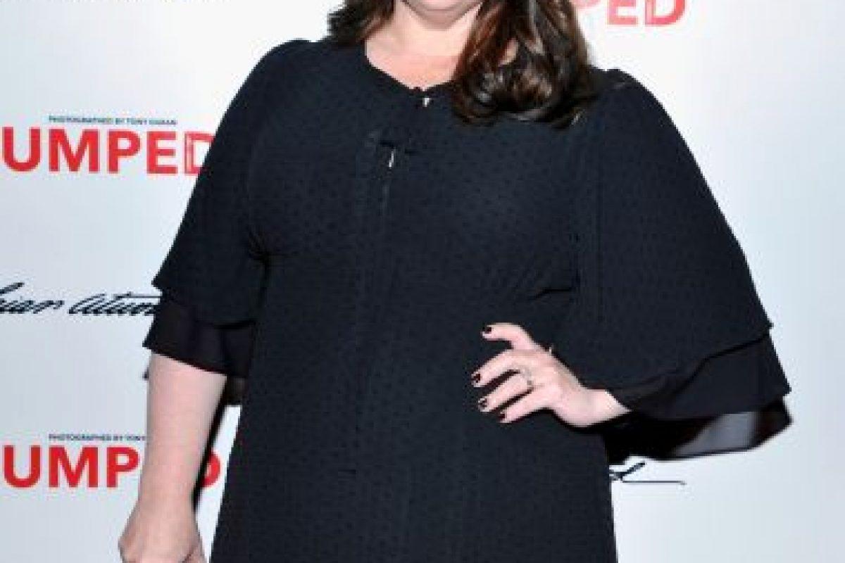 La portada fue duramente criticada porque se cubrió por completo el cuerpo de la actriz Foto:ELLE