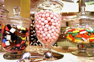 Reducir la ingesta de azúcares libres. Foto:Getty Images