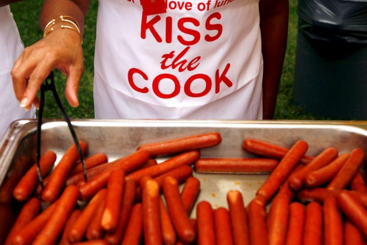 Específicamente, de acuerdo al estudio realizado, consumir 50 gramos al día de estos alimentos podría aumentar en 18% el riesgo de desarrollar cáncer de colon. Foto:Getty Images