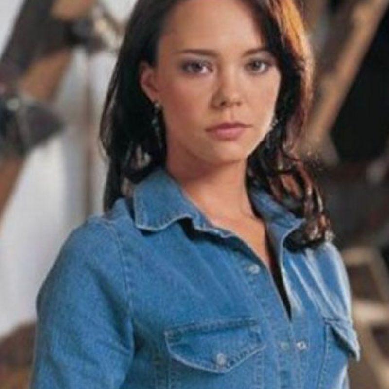 """Natasha Klauss era """"Sarita Elizondo"""". Era la más reservada y estricta de las hermanas. Foto:vía Caracol Televisión/Telemundo"""