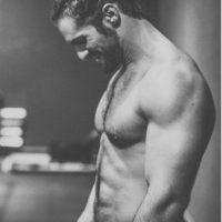 Con esto, se convirtió en el primer luchador en ostentar el título Mundial y el de los Estados Unidos al mismo tiempo, por lo que la WWE le regaló una estatua que fue destruida por Sting. Foto:Vía instagram.com/wwerollins