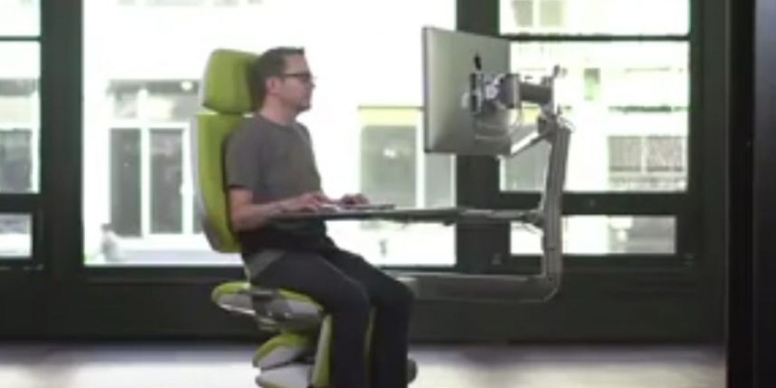 Programadores, diseñadores, escritores y cualquier persona que utiliza un ordenador como su herramienta principal de trabajo. Foto:Vía Youtube/AltWork