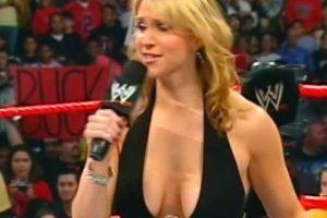 La hija de Vince McMahon también se incrementó los pechos Foto:WWE