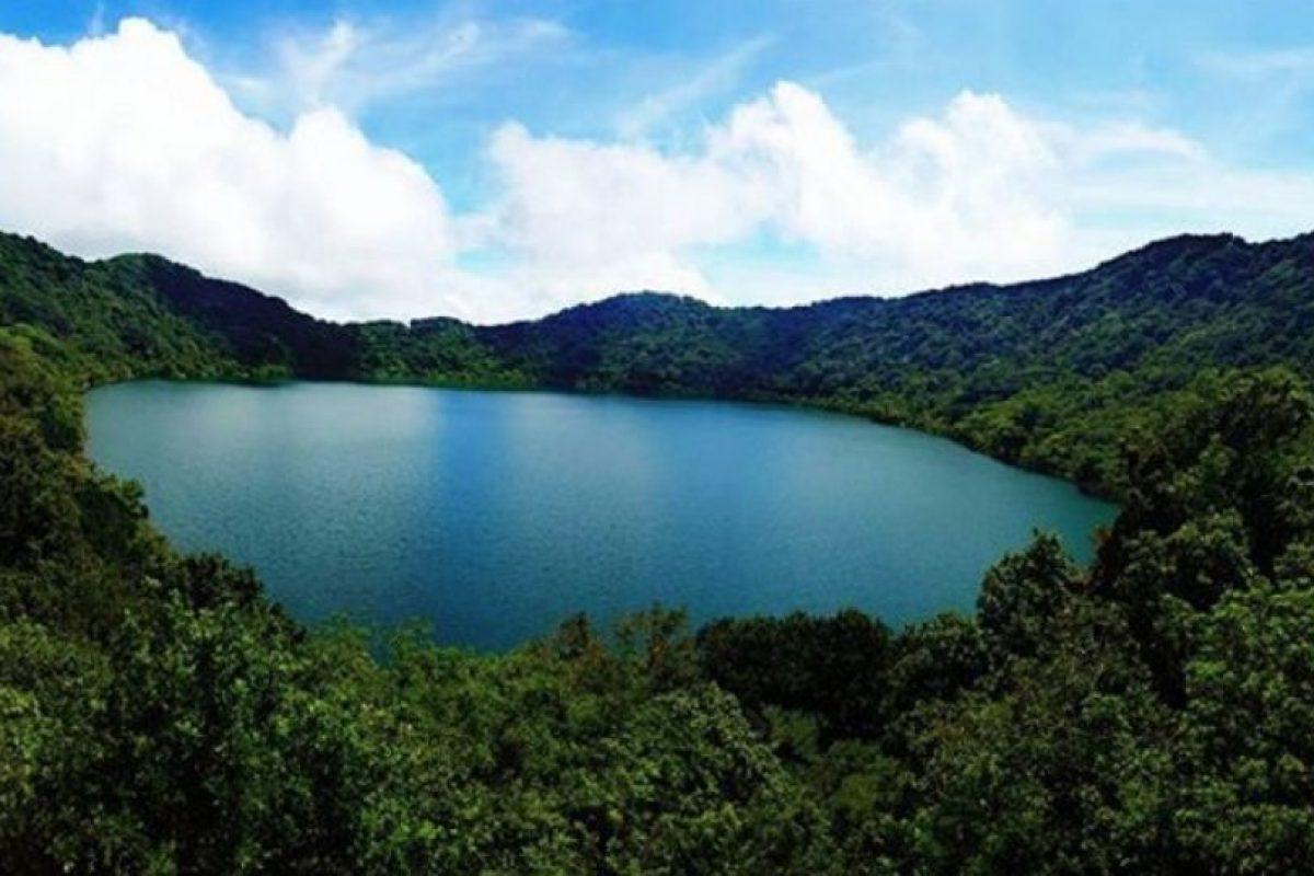 Los visitantes pueden nadar en la laguna sin riesgos. Foto:instagram.com/eddyosorio92