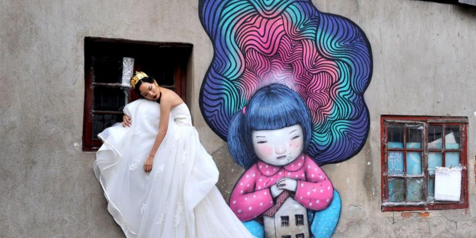 Para los menos estrictos, los astrólogos solamente analizan la fecha y la hora de nacimiento de la pareja para seleccionar un día para su boda Foto:Getty Images