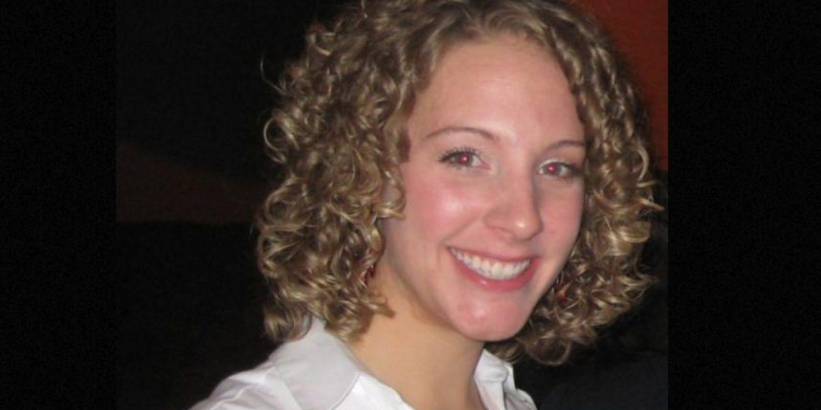 """Kristin Sundman era maestra de la secundaria Theodore Roosevelt en Ohio. Y en Internet era una ardiente estrella de cine para adultos. Se llamaba """"MelodyXXXtune"""". Foto:vía ItsCleoLive"""