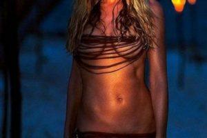 """La hermosa actriz Denise Richards es la chica Bond de la película """"The World is not enough"""" Foto:Vía imdb.com"""