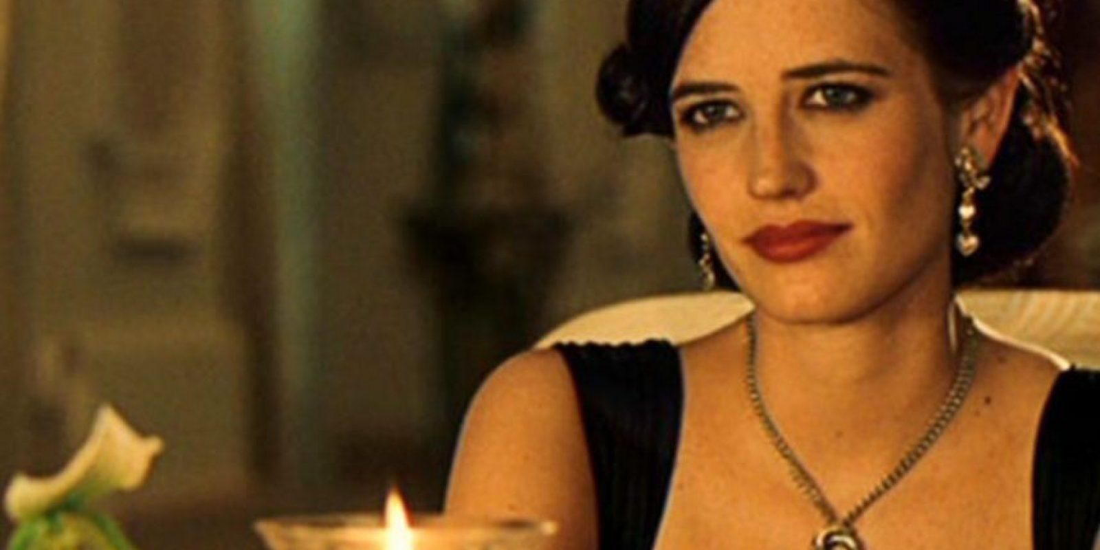 """Eva Green, nacida en Francia, interpretó a Vesper Lynd, quién además de sostener un romance con el agente 007, es la encargada de salvarle la vida en """"Casino Royale"""