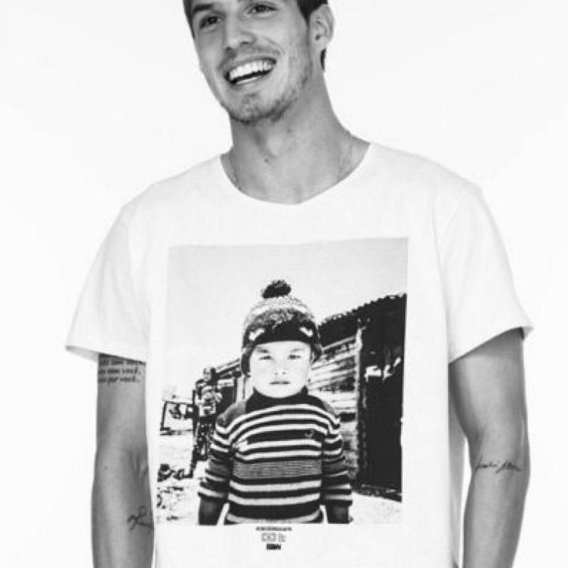 Tiene 21 años y se desempeña como mediocampista ofensivo. Foto:Vía instagram.com/lpiazon