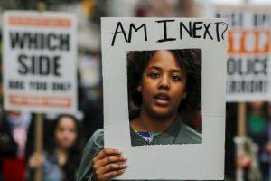 Marcha contra la brutalidad policiaca en Nueva York. Foto:AFP