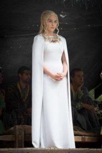 "Ella es la reina ""Daenerys Targaryen"". Foto:vía HBO"