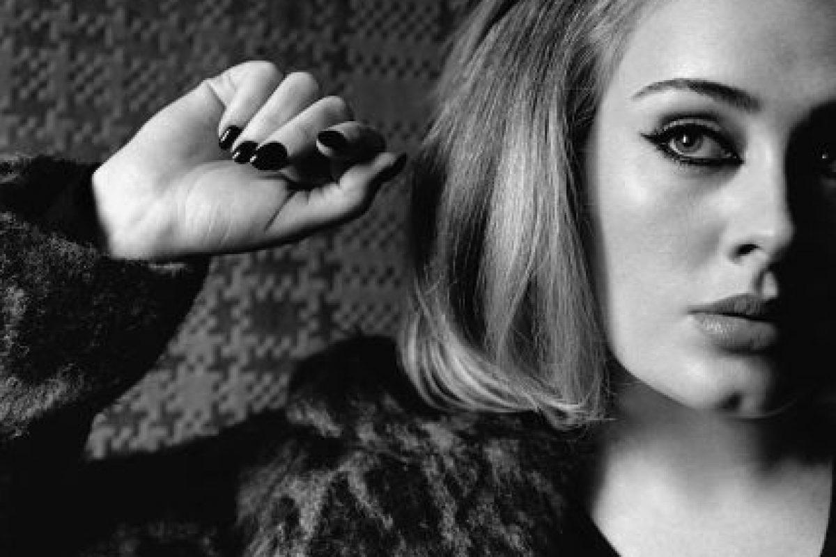 """Con el lanzamiento de """"Hello"""", Adele también volvió a tener contacto con los medios. Foto:i-D Magazine"""