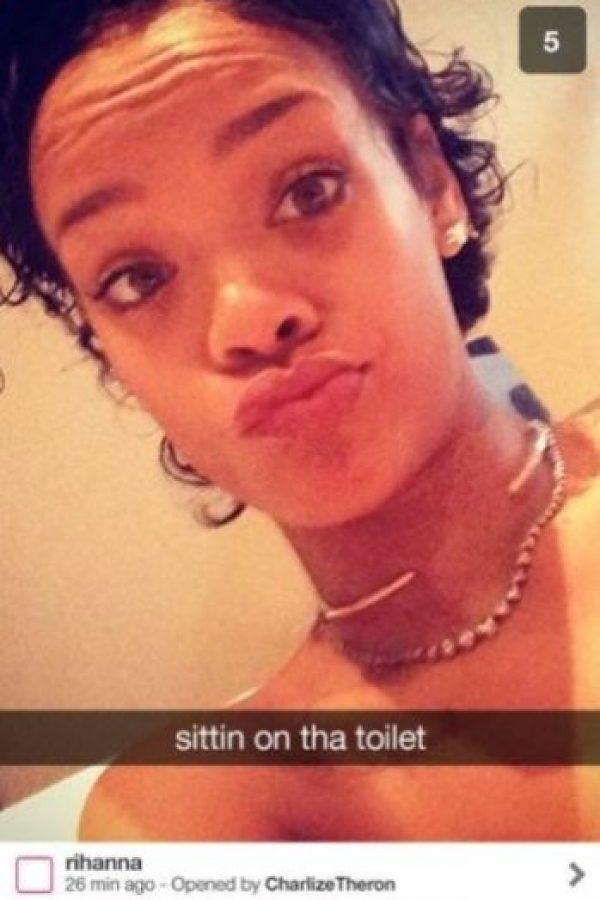 """Rihanna: La cantante ya fue expulsada de Instagram por sus """"ardientes"""" publicaciones… ¿imaginen todo lo que tiene preparado para Snapchat? Foto:Vía celebsnapchats.com"""