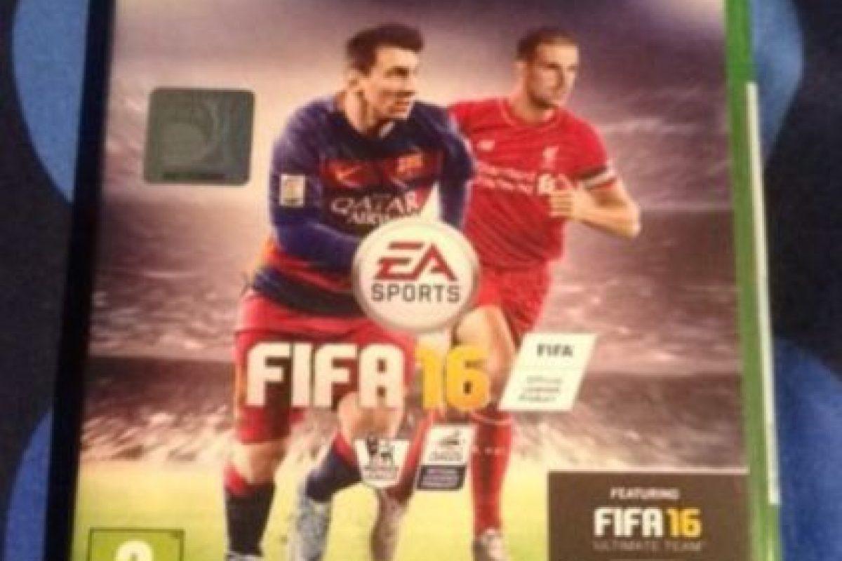 Cuando salió FIFA 16, él, por Twitter, le dijo que no la vería por un tiempo. Ella le contestó con una foto de un juguete sexual y todo se volvió viral. Foto:vía Twitter.com
