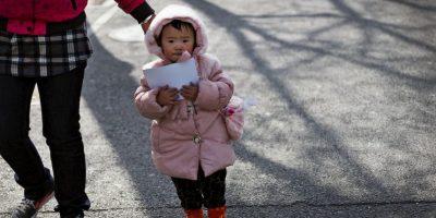 Como consecuencia de la política del hijo único existe una disparidad entre hombres y mujeres. Foto:AP