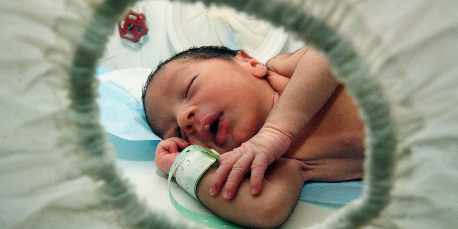 Muchos niños prematuros empiezan a respirar de forma autónoma desde el momento en que nacen, pero otros necesitan reanimación. Foto:Getty Images